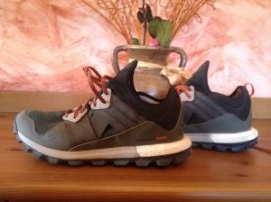No son las zapatillas de trail más bonitas pero el calcetín de neopreno es una gran idea. Y el Boost me gusta.